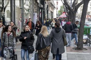 «Όχι» στα ανοιχτά καταστήματα την Κυριακή και στη Θεσσαλονίκη