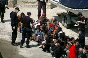 Μεταναστευτικό: Τουλάχιστον 226 μετανάστες και πρόσφυγες στα ελληνικά νησιά το τελευταίο 24ωρο