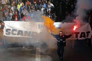 Στους δρόμους οι Γάλλοι κατά της λιτότητας