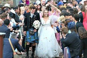 Παντρεύτηκε με... φούστα ο Μάρεϊ