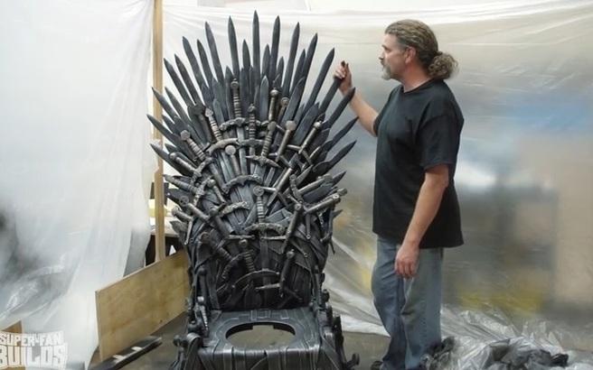 Ένας σιδηρούς θρόνος για την τουαλέτα