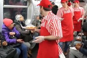 Πίτσα πάρτι στο τρένο