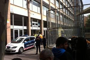 Νεαρός σκότωσε με τόξο δάσκαλο σε σχολείο στη Βαρκελώνη