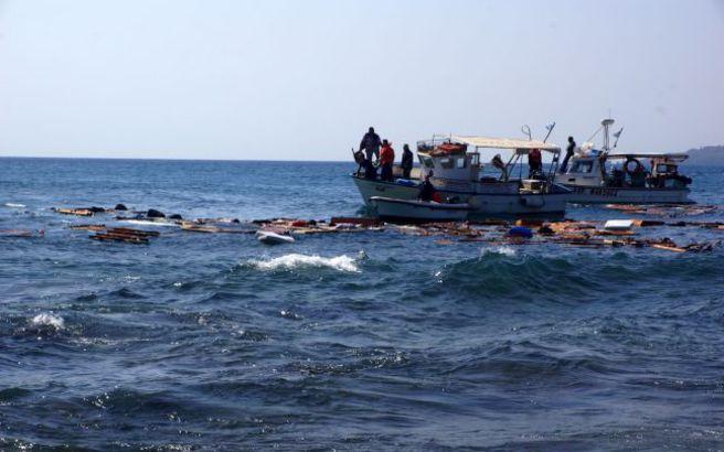 Ναυάγιο με νεκρούς δυτικά της Τουρκίας