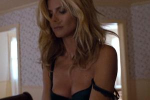 Η Heidi Klum τα δίνει όλα σε ένα καυτό βίντεο