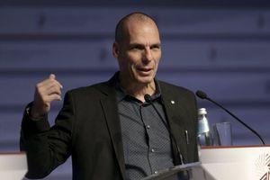 Βαρουφάκης: Η πολιτική των τελευταίων 7 ετών αποδεκάτισε τις επενδύσεις