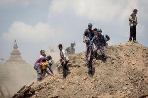 Ξεπέρασαν τους 5.000 οι νεκροί στο Νεπάλ