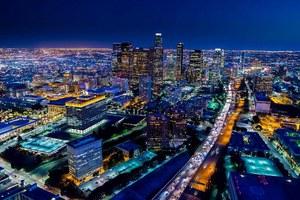 Πώς φαίνεται το Λος Άντζελες τη νύχτα από ψηλά