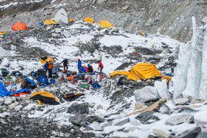 Ξεκινούν ξανά οι ορειβατικές αποστολές στο Έβερεστ