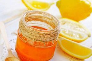 Μέλι και λεμόνι για να λάμψετε