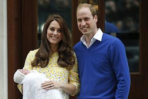 Η παρένθετη μητέρα και το μεγάλο ψέμα του βασιλικού μωρού