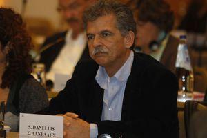 «Εθνικό καθήκον η συνεννόηση στα θέματα εξωτερικής πολιτικής»