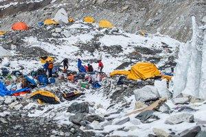 Βρήκαν 100 πτώματα από χιονοστιβάδα στο Νεπάλ