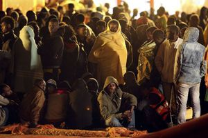 Ανεξέλεγκτη η κατάσταση στη Μυτιλήνη