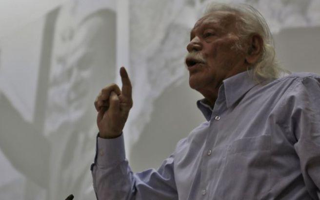 Γλέζος κατά Τσίπρα: Η υποταγή της Ελλάδας στις ΗΠΑ είναι ολοκληρωτική
