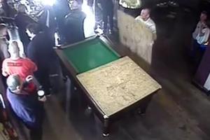 Τι μπορεί να συμβεί αν ένα τραπέζι μπιλιάρδου εξαφανιστεί