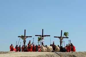Αδιανόητες σύγχρονες σταυρώσεις