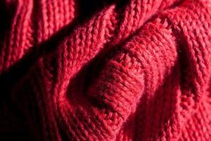 Γιατί το κόκκινο χρώμα «εκπέμπει» επιθετικότητα