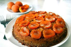 Ανάποδο κέικ με βερίκοκα