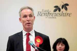 Παραιτείται και ο ηγέτης των Εργατικών της Σκωτίας