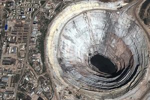Εικόνες-σοκ από τις καταστροφές που προκαλεί ο άνθρωπος στη Γη