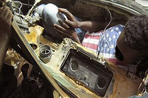 Μετανάστης κρύφτηκε σε… ταμπλό αυτοκινήτου!