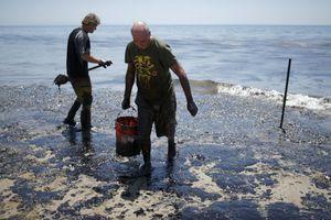 Παραλίες της Καλιφόρνιας παραμένουν κλειστές εξαιτίας πετρελαιοκηλίδας