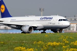 Σαντορίνη και Κέρκυρα οι νέοι προορισμοί της Lufthansa