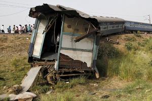 Δύο νεκροί σε εκτροχιασμό τραίνου στην Ινδία