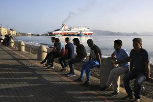 Τα μεσάνυχτα η επιβίβαση προσφύγων στο «Ελευθέριος Βενιζέλος»