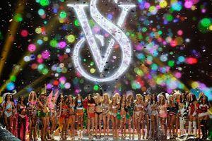 Οι «Άγγελοι» τα βάζουν με τη «Victoria's Secret»