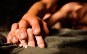 Τρεις τροφές που «σκοτώνουν» τη σεξουαλική ζωή