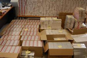 Κατασχέθηκαν περισσότερα από 166.000 λαθραία πακέτα τσιγάρων