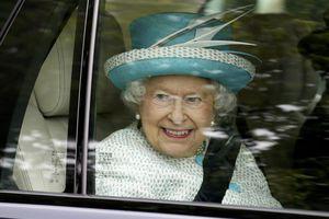 Ποια σειρά παρακολουθεί με μανία η βασίλισσα Ελισάβετ