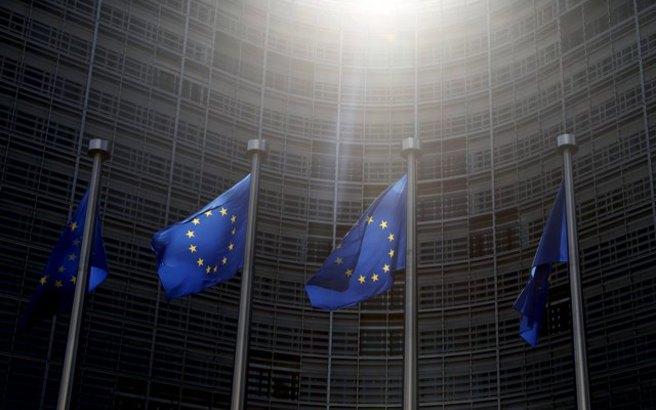 Η Κομισιόν απέρριψε τον ιταλικό προϋπολογισμό