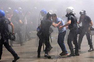 Συνεχίζονται οι αιματηρές συγκρούσεις στην Τουρκία