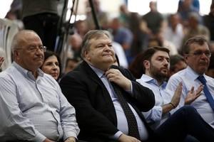 Βενιζέλος για αποκάλυψη Παπακωνσταντίνου: Η αλήθεια εκδικείται