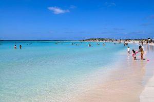 Στα δικαστήρια δύο δήμοι στα Χανιά για την παραλία Ελαφονησίου