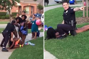 Παραιτήθηκε ο αστυνομικός που έβγαλε όπλο κατά εφήβων στο Τέξας