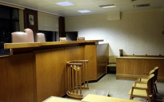 Όσο διαρκεί η τραπεζική αργία, δεν πληρώνετε δικαστήρια