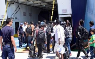 Σύσκεψη στο υπουργείο Ναυτιλίας για τη μεταφορά μεταναστών και προσφύγων