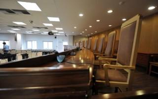 Δυσκολίες και προοπτικές για τη Νομική