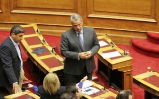 Βορίδης κατά Παυλόπουλου: Να τηρεί αυτό που λέει το Σύνταγμα, είναι ανεύθυνος αρχών