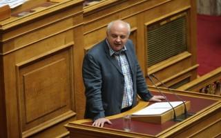 Αποχώρησε από συζήτηση στη Βουλή το ΚΚΕ λόγω κορονοϊού