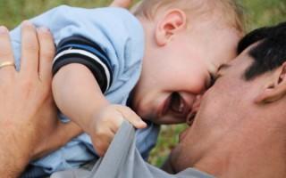 Γιατί τα παιδιά θέλουν να μοιάσουν στους μπαμπάδες