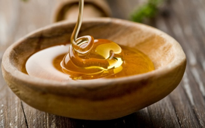 Γιαούρτι και μέλι για τις ραγάδες