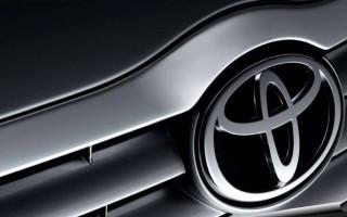 «Φρένο» στην παραγωγή βενζινοκίνητων το 2050 σχεδιάζει η Toyota