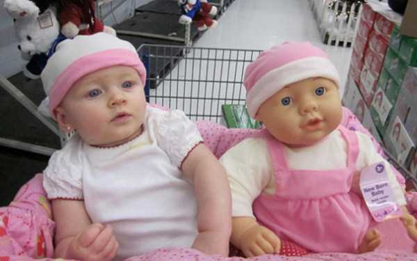 babies-and-their-look-alike-dolls-6