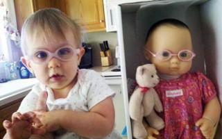 Παιδιά και κούκλες σαν δυο σταγόνες νερό
