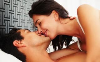 Οι 7 συζητήσεις για το σεξ που θα πρέπει να κάνουν τα ζευγάρια